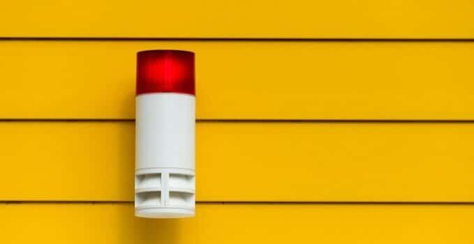 un système d'alarme en cas de situation d'urgence